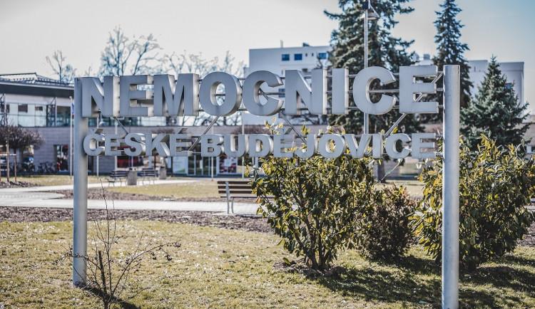 Pacientů s covidem-19 přibývá. Kromě Budějovic a Tábora už je přijímají i další nemocnice