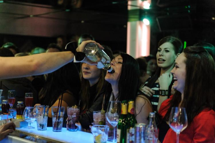 Budějcká Drbna slavila v dance baru Paradox svoje 1. narozeniny