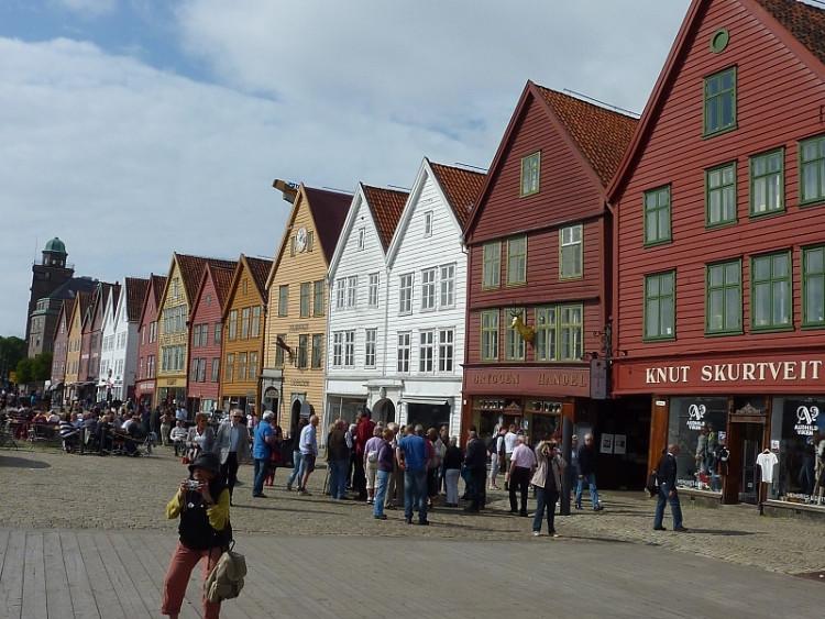 Epizoda 1 - Bergen: Bryggen - historická dřevěná část Bergenu
