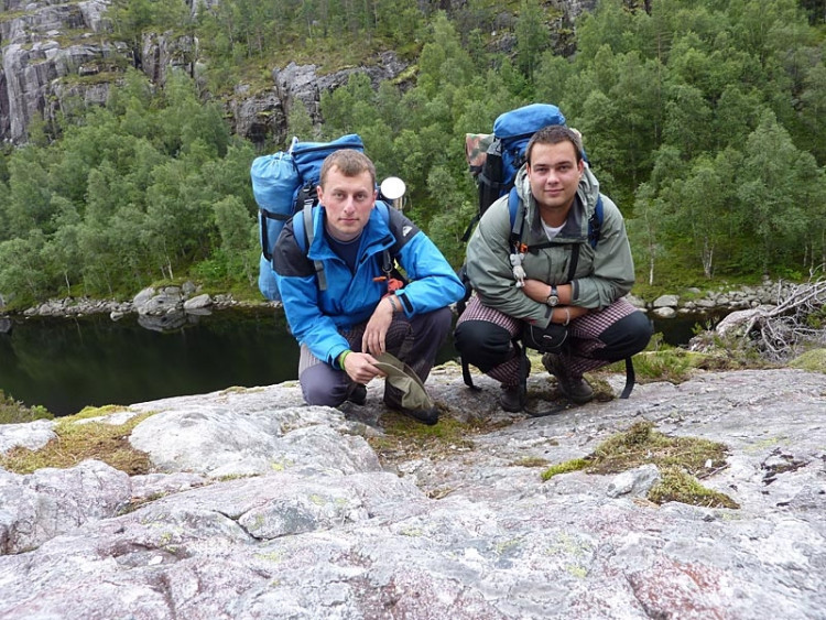 Epizoda 3 - Kjerag: Jaromír Cipín a Jan Vávra u jezera