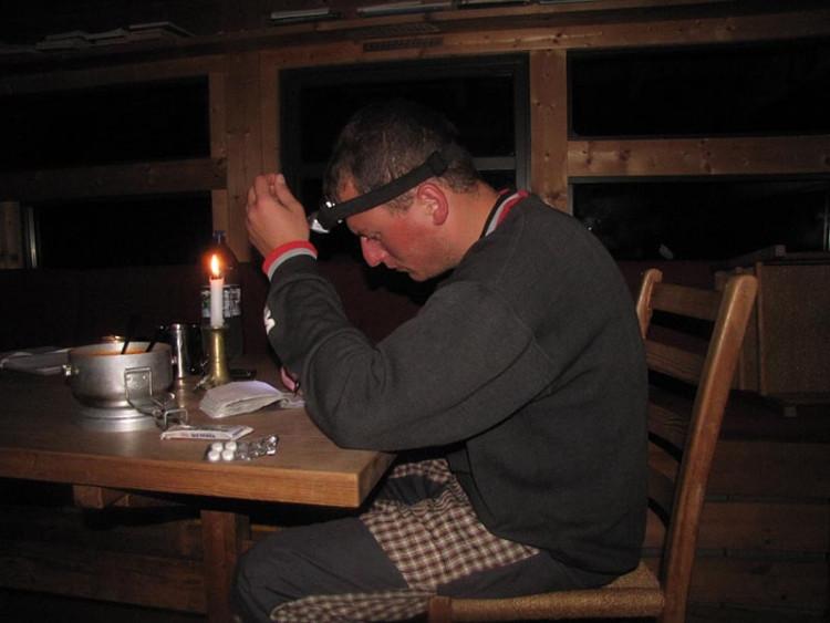 Epizoda 4 - Manafossen: Epizoda 4 - Manafossen: Jarda při psaní deníku v chatě Langavaten