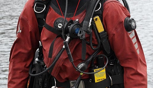 Cvičení jihočeských potápěčů na římovské přehradě