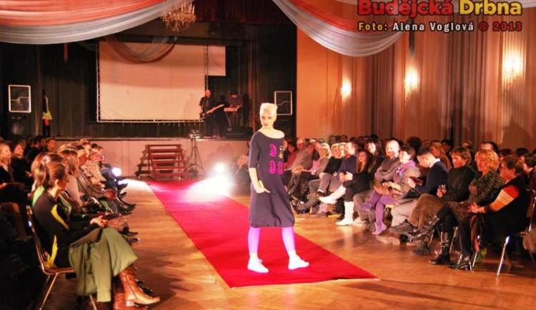 Módní show v Kulturním domě Slavie