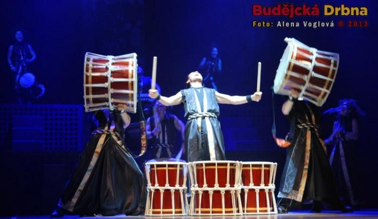 Japonští bubeníci Yamato v DK Metropol