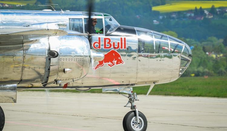 Trénink Flying Bulls leteckého týmu Red Bullu