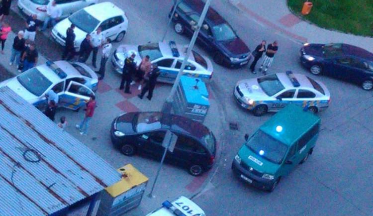 Policejní zátah na budějckém sídlišti Máj