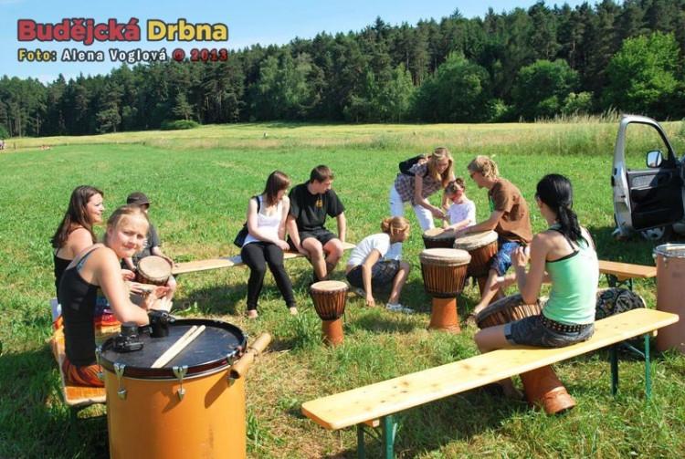 Každý si mohl vyzkoušet hru na bubny