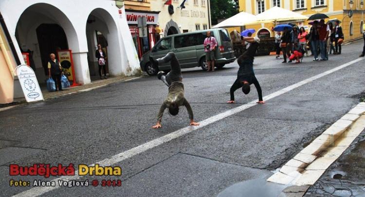 Španělští tanečníci předvedli i náročné kousky