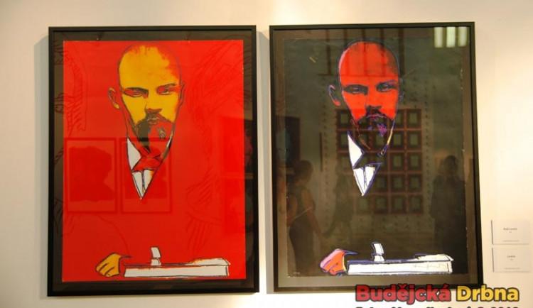 Vernisáž výstavy Andyho Warhola na Hluboké