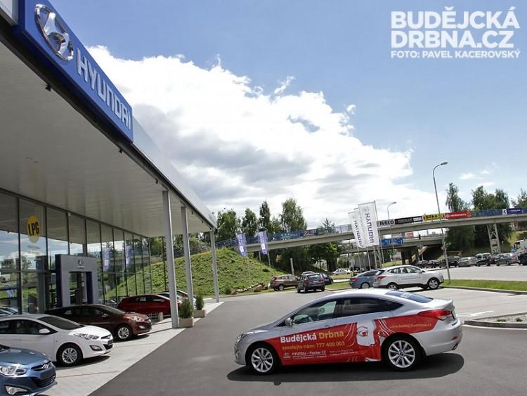 Redakční auto Budějcké Drbny - Hyundai i40 SDN od autosalonu HYUNDAI - Fischer CZ