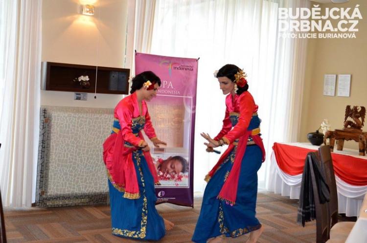 Doteky Indonésie v RRC - Jávský tanec