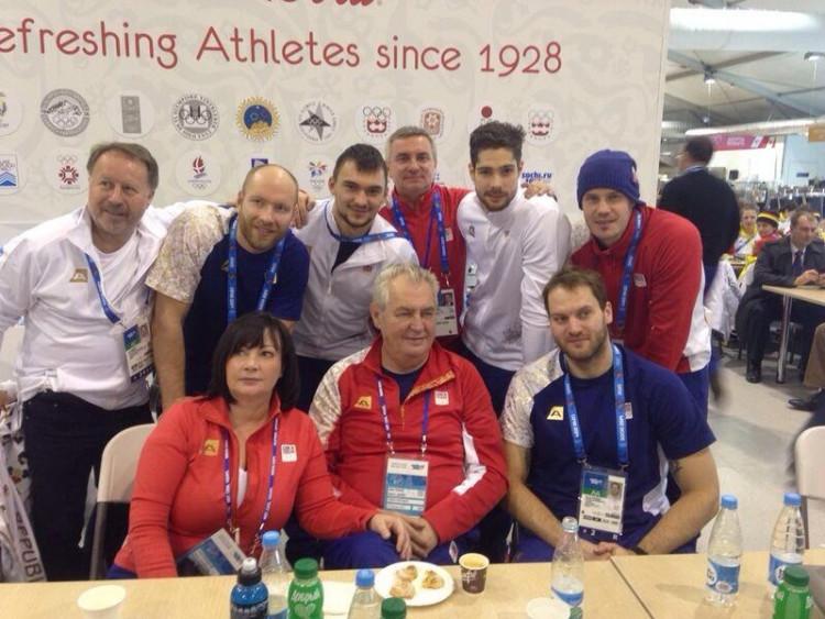 Čeští hokejisté s prezidentem republiky Milošem Zemanem. Na snímku nechybí Jiří Novotný, Jakub Kovář a Alexander Salák