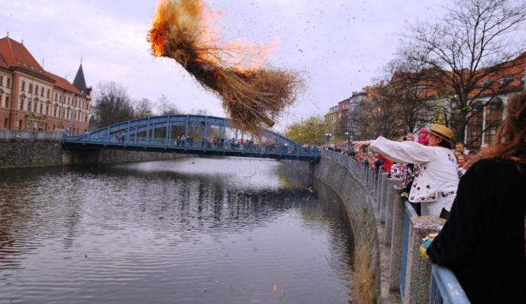 Budějčáci přivítali jaro spálením Morany