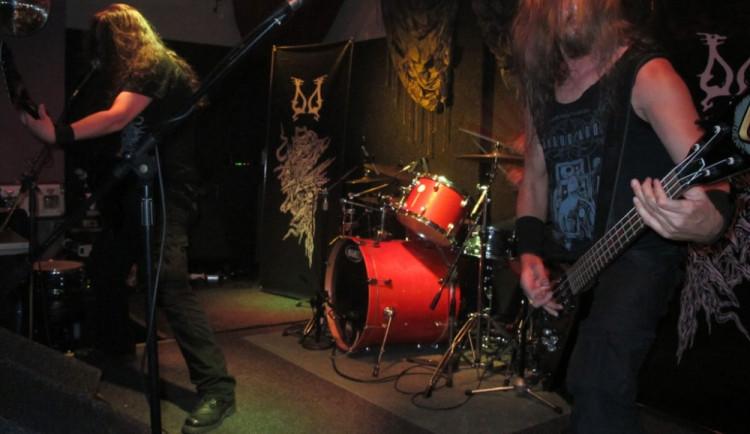 Mezinárodní metalový večer ve Fabrice