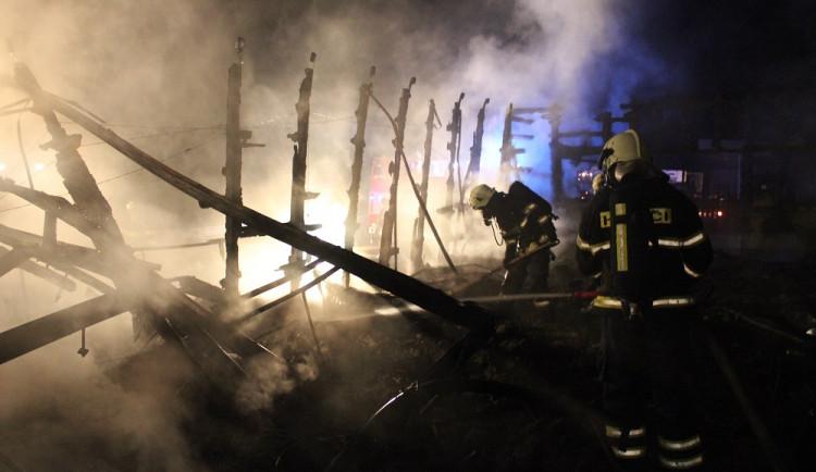 Požár opuštěného motorestu u Dolního Dvořiště