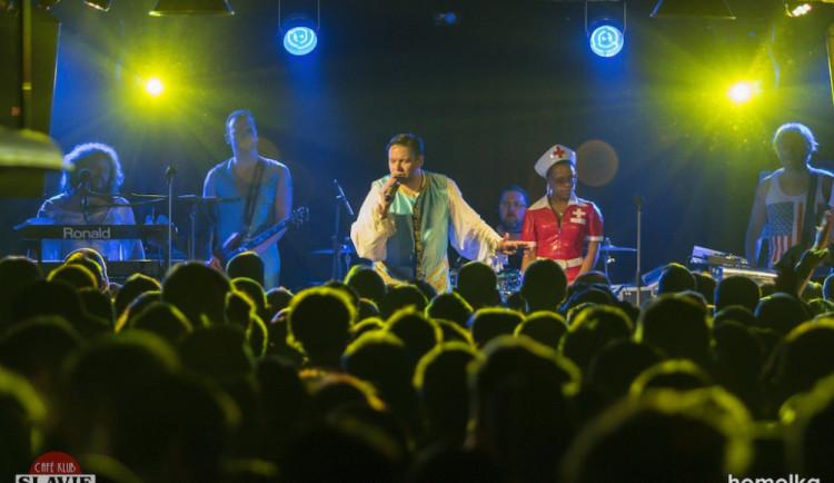 Funková kapela Monkey Business oslavila v Budějcích 15 let