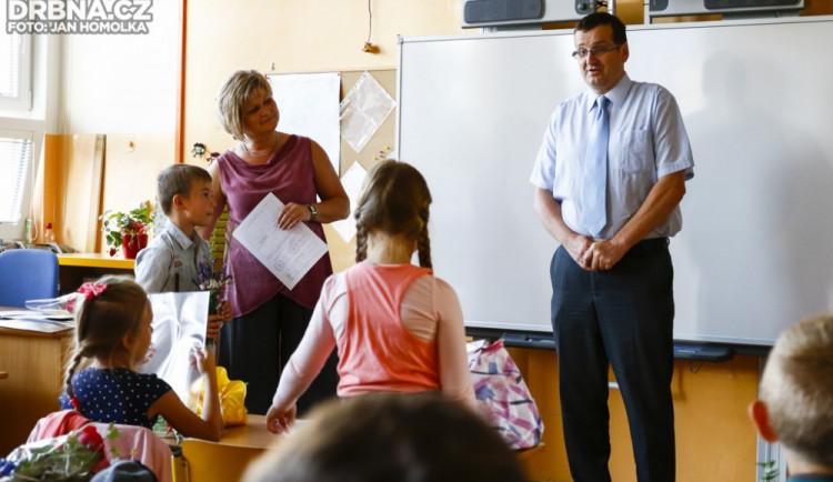Předávání vysvědčení na ZŠ Grünwaldova