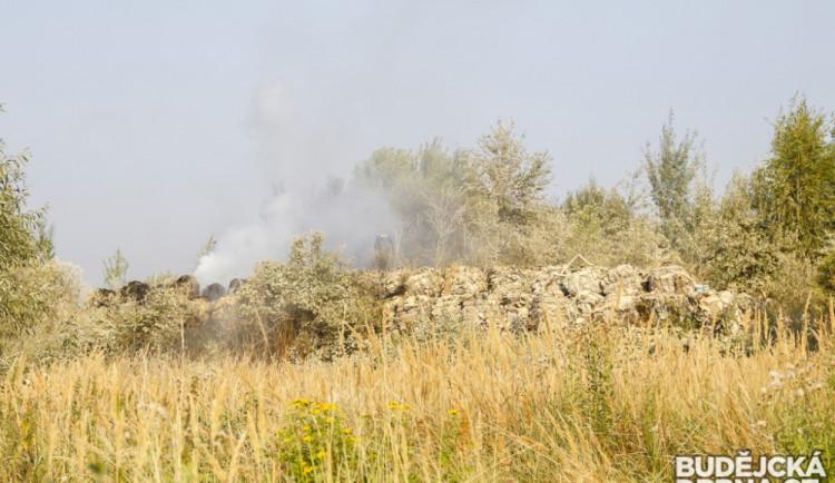 Požár nelegální skládky v Budějcích