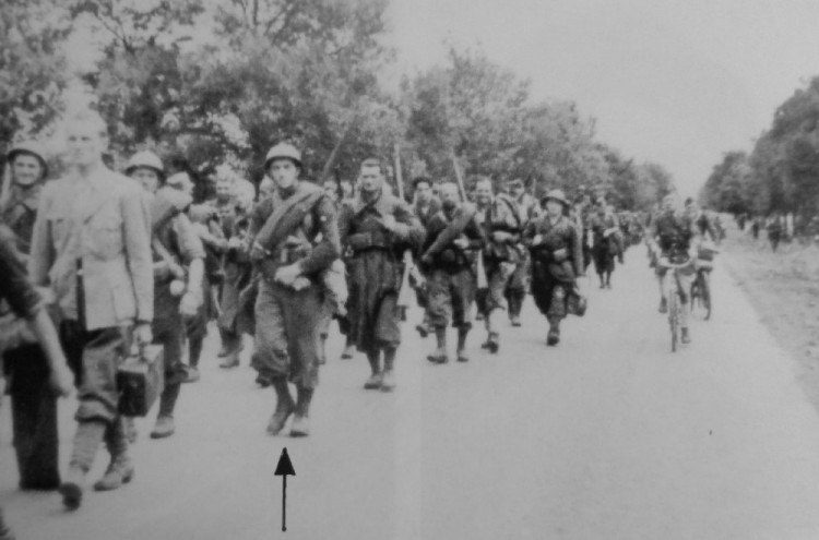 Ústup čs. vojáků ve Francii šipkou označen Josef Cikán