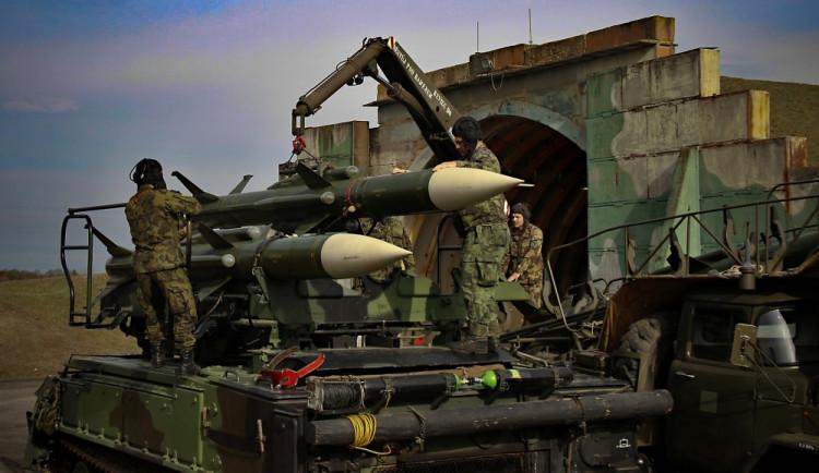 ojáci ze strakonického 251. protiletadlového raketového oddílu se připravují na bojové střelby