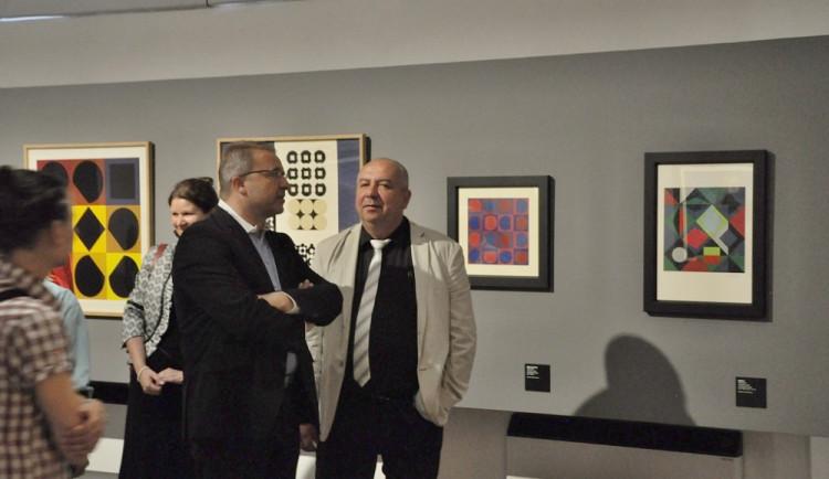 Vernisáž zahájila výstavu Victora Vasarelyho v Alšově jihočeské galerii v Hluboké nad Vltavou