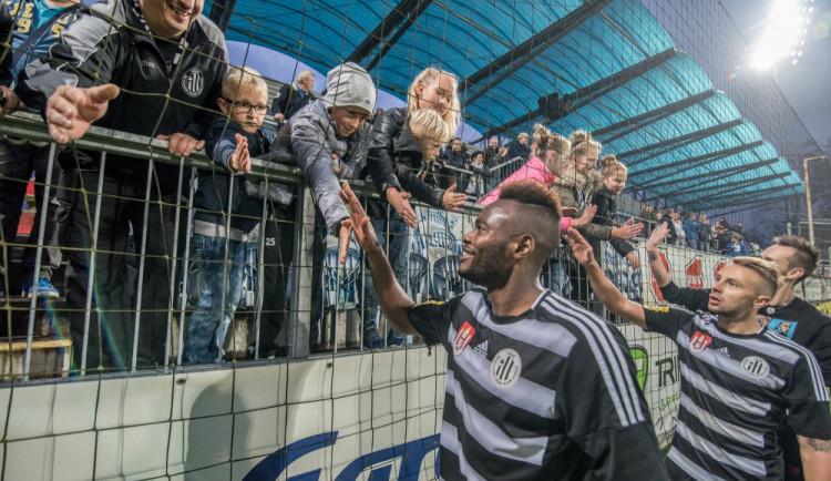 Dynamo porazilo ve šlágru kola Opavu 2:1 a ve ligu