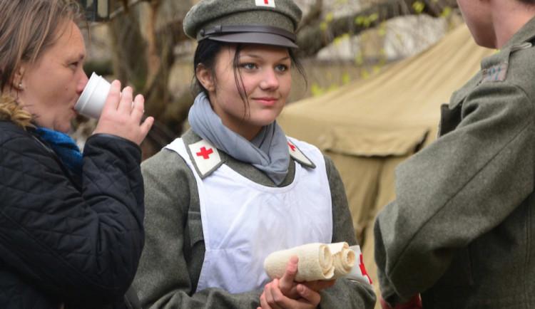 Hejtmanka Stráská během Dne válečných veteránů zahájila vJihočeském muzeu výstavu