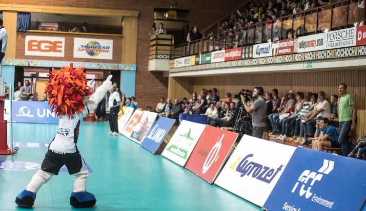Třetí semifinálové utkání volejbalové extraligy mužů Jihostroj - Karlovarsko 2:3
