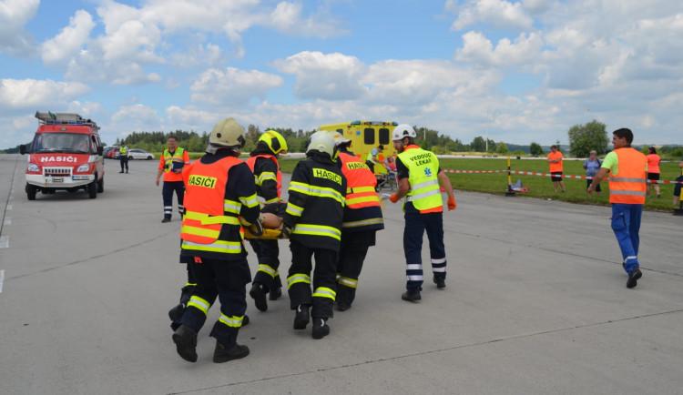 Záchranné složky nacvičovaly zásah u nehody s velkým počtem zraněných