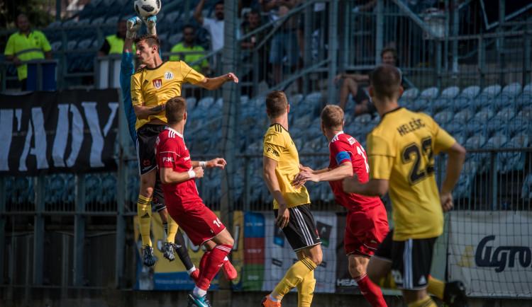 Paráda na úvod, Dynamo porazilo Třinec.