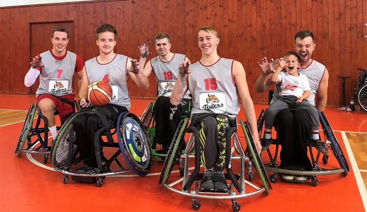 Tým basketbalu na vozíku Tigers ČB