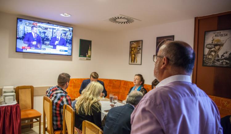 Atmosféra volebních štábů v Českých Budějovicích