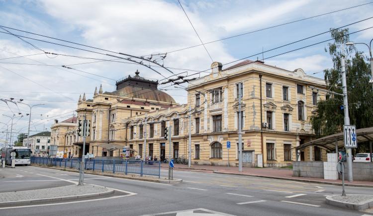 Budova vlakového nádraží se bude rekonstruovat
