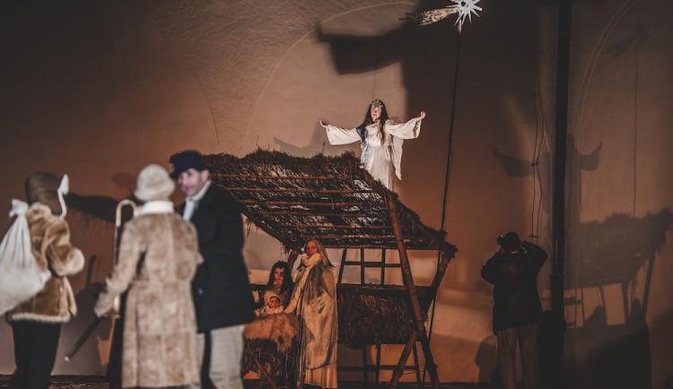 Příběh zrození Ježíše Krista vidělo zaplněné Piaristické náměstí