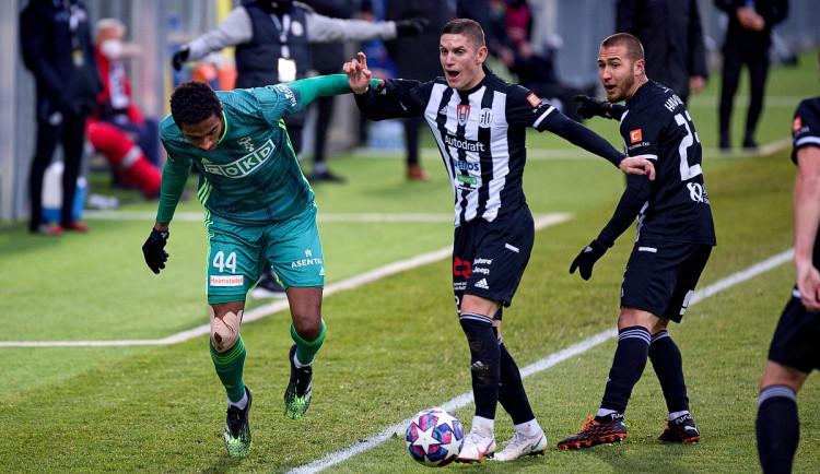 FOTOGALERIE: Další domácí drama. Dynamo dohánělo, s Karvinou bere bod za remízu 1:1