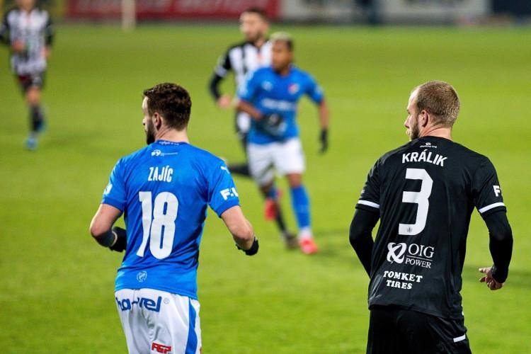 FOTOGALERIE: Dynamo válí a pět zápasů v řadě neprohrálo, Baník sestřelil v závěru Mršič