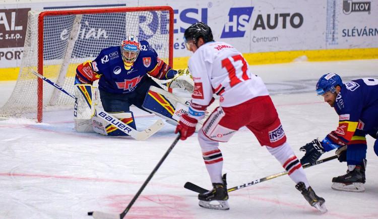 FOTOGALERIE: Čtvrtá porážka s Olomoucí. Motor prodloužil mizernou sérii na domácím ledě, padl 1:2