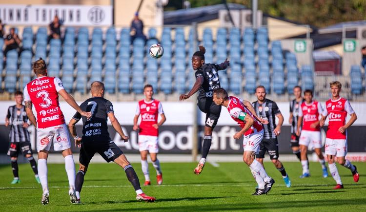 Dynamo po dalším comebacku udolalo Pardubice