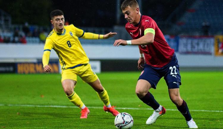 Při dalším utkání kvalifikace o evropský šampionát lvíčata porazila Kosovo 3:0 a v tabulce i nadále drží první místo.